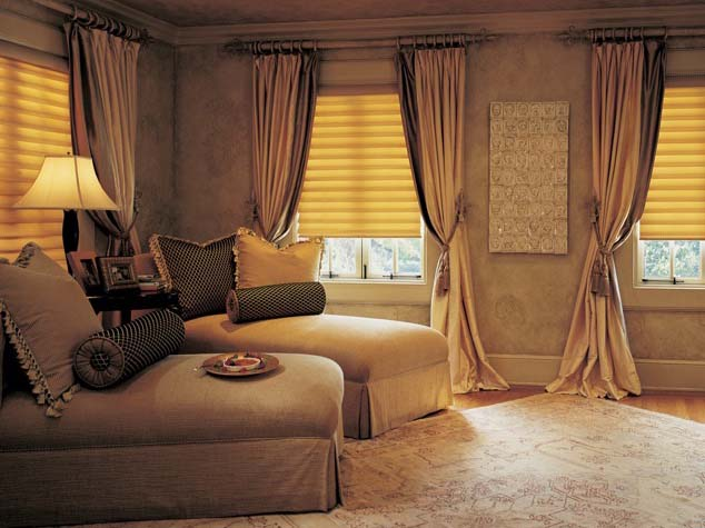 Curtains tend to vary in length, while draperies usually fall all the way to the floor.